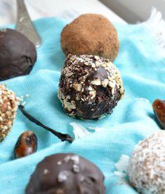 Raw Choc Mint Balls using Cashews and no dates. Low sugar high complex carbs snack. #vegantreat #diabeticsnack