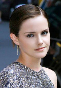 Emma Watson's Sleek Straight Cut