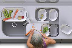 Ontwerper Wu Chun Ming ontwierp deze bijzondere keuken met in gedachte dat tijdens het koken we veelvuldig hetzelfde patroon herhalen. Doordat het alle hoofdelementen verplaatst kunnen worden, kan je alles steeds makkelijk verplaatsen en wegzetten. Superhandig als je een kleine keuken hebt.     Helaas is het nog een concept, maar wel inspirerend om te zien wat er allemaal mogelijk is met een keuken, nietwaar?