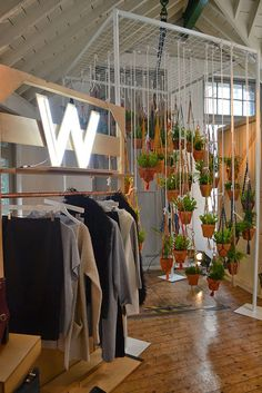 the plants hanging !! cool idea   -    warehouse press day trendvm