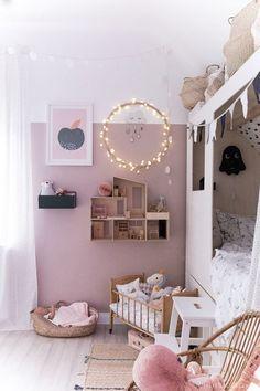 My favorites for a cuddly ambience in the nursery- Meine Favoriten für ein kuscheliges Ambiente im Kinderzimmer maedchenzimmer-with-bunks bed-and-wall-altrosa -