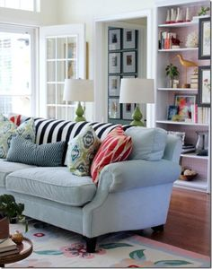 Love the patern and texure of the pillows and throw!