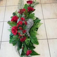 wyk.Teresa Rycerz-Kętrzyn Vence, Funeral Flowers, Christmas Wreaths, Floral Wreath, Holiday Decor, Plants, Home Decor, Flower Arrangements, Garden
