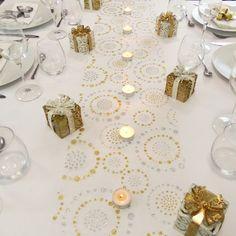 Chemin de table argent et or design cercle déco de mariage argentée chic et classique