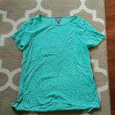 J Jill Polka Dot Blouse Just in time for spring and summer! Beautiful, flowy top has been very gently pre-owned. Features low side tabs for a flattering fit and a beautiful green and polka dot pattern. Smoke-free home. Reasonable offers welcome! Bundle and Save! J. Jill Tops Blouses