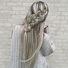 4 Strand Braid ❤️ Do not believe in the myth that braided hairstyles are difficult to do. We have picked some braids that are trendy, messy, and, most importantly, easy. ❤️ # 4 strand Braids how to Wedding Hairstyles For Long Hair, Fancy Hairstyles, Creative Hairstyles, Braided Hairstyles, Hairstyles Haircuts, Curly Hairstyle, Gorgeous Hairstyles, Hairstyles Videos, Female Hairstyles
