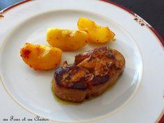Foie gras poêlé, pommes et piment d'Espelette