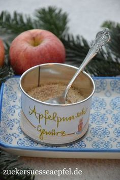 An apple punch spice as a gift from the kitchen - Gewürze, Pasten, Pulver - Drink Punch, Drink Recipe Book, Winter Drinks, Spiced Apples, Diy Gifts, Goodies, Food And Drink, Presents, Sugar