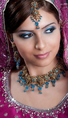 Arabic makeup and jewelry