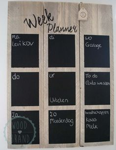 Weekplanner ♥ Plan met gemak je week op deze grote stoere weekplanner van steigerhout! Met krijt (of krijtstift) noteer je al je afspraken en andere zaken. Is de week voorbij dan wis je gemakkelijk alles uit met een natte doek. Aan de weekplanner zit een ophanghaak bevestigd zodat je de planner stoer in de keuken, woonkamer of waar dan ook kan ophangen.♥ ♥ Voor meer informatie bezoek onze website www.woodbrand.nl ♥
