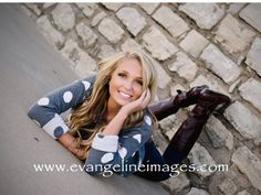 senior picture ideas for girls poses | senior girl poses, senior girl laying down pose