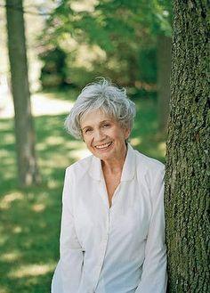 La canadiense Alice Munro gana Nobel de Literatura