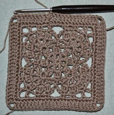 Atelier Marie-Lucienne: Granny Square: The Flower Within – Die innere Blu