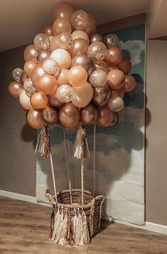 DIY Hot Air Balloon Tutorial Ballon iDeen 🎈 decoration ideas with balloons DIY Hot Air Balloon Tutorial Deco Baby Shower, Shower Party, Baby Shower Themes, Shower Ideas, Baby Shower Balloon Ideas, Baby Shower Decorations Neutral, Shower Gifts, Bridal Shower, Birthday Party Decorations