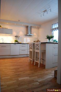 inspirere see more from ikea 2 ikea kök med matplats i vitt och ...