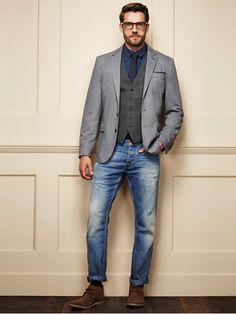 layers // blazer, denim, boots, glasses, tie