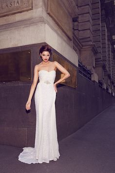 The amazing 'Taylor' gown from Karen Willis Holmes
