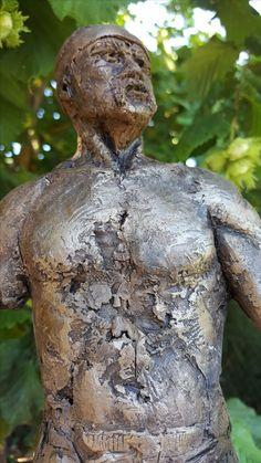 Sculpture argile série sur le rugby joueur 3 Clay sculpture n° from rugby serie