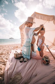 In Love With Hawaii & 12 Things – Barefoot Blonde by Amber Fillerup Clark Amber Fillerup Clark Kids Fashion Photography, Maternity Photography, Children Photography, Sweets Photography, Mom And Baby, Baby Girls, Clarks, Barefoot Blonde, Hawaii