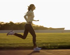 Become a Runner in Six Weeks: Training Plan Burn fat with this training plan for beginners - Haven't run since middle school gym? No sweat. This women's workout plan, designed by fitness guru Amy Dixon, will help you build from a walk to a run.