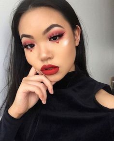 15 Valentines Day Beauty Looks That *Literally* Give You Heart Eyes via Brit + C. 15 Valentines Day Beauty Looks That *Literally* Give You Heart Eyes via Brit + Co – … Holiday Makeup Looks, Makeup Eye Looks, Creative Makeup Looks, Pretty Makeup, Skin Makeup, Makeup Art, Makeup Inspo, Makeup Ideas, Makeup Style