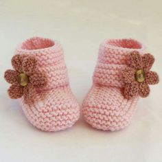 ***NO shipping charge for this item as it is a PDF file. All files are emailed out within 24 hours of payment.Baby slippers love the pattern and neutral color Baby Knitting Patterns, Knitting For Kids, Baby Shoes Pattern, Knit Baby Booties, Crochet Baby Shoes, Knitted Baby, Booties Crochet, Baby Bootees, Baby Slippers