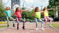 Check it out Che Rie Leggings on Haschak Sisters!!! Spice Girls - Wannabe (Haschak Sisters Cover)