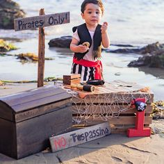 also cute for outside display Pirate Baby, Pirate Kids, Pirate Birthday, Pirate Theme, Baby Birthday Pictures, First Birthday Photos, Boy First Birthday, Boy Birthday Parties, Pirate Photo