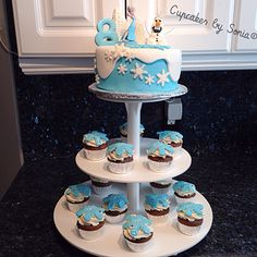 Frozen cake and cupcakes at Walmart Frozen