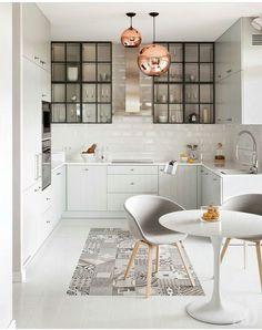Cocinas blancas de estilo rústico. Calidez y confort.