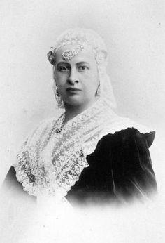 Portret van Anna Adriana Cornelia Sixma baronesse van Heemstra (1853 - 1903) Anna, Sculpture, Statue, Sculptures, Sculpting, Carving
