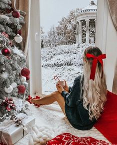 Are you looking for ideas for christmas aesthetic?Check this out for unique Christmas inspiration.May the season bring you peace. Christmas Mood, Merry Little Christmas, All Things Christmas, Xmas, Christmas Outfits, Cozy Christmas Outfit, Christmas Wreaths, 1950s Christmas, Christmas Nails