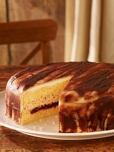 Haselnuss-Marzipan-Torte - Eine sahnige Weihnachtstorte mit einer fruchtigen…