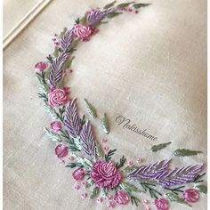 Wonderful Ribbon Embroidery Flowers by Hand Ideas. Enchanting Ribbon Embroidery Flowers by Hand Ideas. Embroidery Neck Designs, Hand Embroidery Flowers, Hand Work Embroidery, Learn Embroidery, Hand Embroidery Stitches, Silk Ribbon Embroidery, Embroidery Techniques, Embroidery Kits, Embroidery Needles