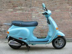 Vespa 2001 ET2, why do I ever need a car... Ever?