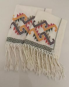 Diy And Crafts, Blanket, Instagram, Embroidery, Projects, Blankets, Cover, Comforters