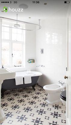 Une salle de bain noire et blanche mélangeant les styles | Awesome ...