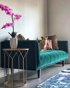 Refresh a Room with an Eye on the Environment Living Room Green, Living Room Sofa, Home Living Room, Living Room Designs, Living Room Furniture, Living Room Decor, Couch For Bedroom, Furniture Nyc, Furniture Online