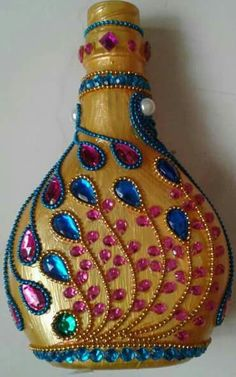 Each of these beer flask crafts provide a bunch of tips to reuse and reinvented this everyday merchandise, Would you like to decide to salvage personal mauve bottle or repurpose it? Glass Bottle Crafts, Wine Bottle Art, Diy Bottle, Beer Bottle, Jute Crafts, Diy Arts And Crafts, Diy Crafts, Bottles And Jars, Glass Bottles