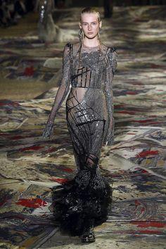 Alexander Mcqueen, Printemps/Eté 2017, Paris, Womenswear