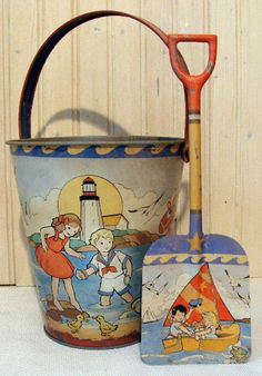 These vintage beach pails are adorable.