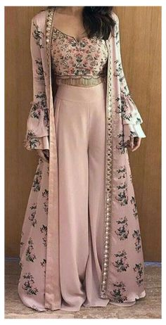 Party Wear Indian Dresses, Designer Party Wear Dresses, Indian Gowns Dresses, Indian Fashion Dresses, Dress Indian Style, Latest Wedding Dresses Indian, Dress Party, Indian Weddings, Indian Wedding Clothes