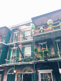 NEW ORLEANS TRAVEL GUIDE by DesignLoveFest