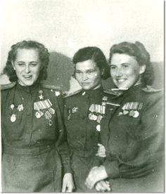 Герои Советского Союза Евгения Жигуленко, Ирина Себрова, Лариса Розанова. 19445 г..