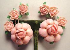 Vintage 50's Chunky Florida Seashell Clip on Flower Earrings