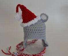 Santa Mouse Hat. ☀CQ #crochet #christmas   http://www.pinterest.com/CoronaQueen/crochet-christmas-corona/