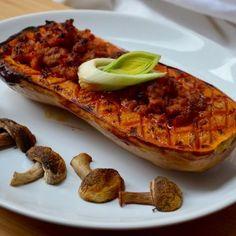 Plněná máslová dýně - Efektní a voňavá, taková je plněná máslová dýně. Vše v jedné jedlé oranžové misce. Zucchini, Tacos, Food And Drink, Menu, Mexican, Vegetables, Ethnic Recipes, Summer Squash, Menu Board Design