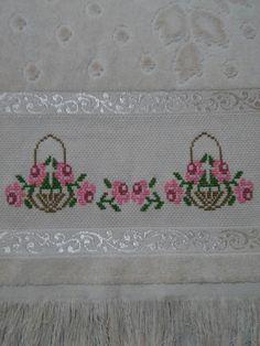 Simple Cross Stitch, Cross Stitch Flowers, Cross Stitching, Cross Stitch Embroidery, Crochet Bedspread, Cross Stitch Needles, Diy, Design, Decor