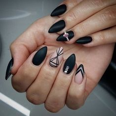 Image about black in Nails ♥♥♥ by Elandiel on We Heart It Acrylic Nails Stiletto, Acrylic Nail Shapes, Almond Acrylic Nails, Fabulous Nails, Perfect Nails, Swag Nails, My Nails, Matted Nails, Romantic Nails