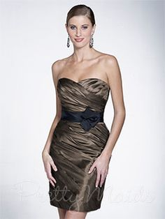 Bridesmaid Dresses & Gown Photos - Find the perfect bridesmaid dress pictures at WeddingWire. Browse through thousands of wedding photos of bridesmaid dresses and gowns. Taffeta Bridesmaid Dress, Bridesmaid Dress Styles, Bridal Dresses, Strapless Dress Formal, Wedding Bridesmaids, Dressy Dresses, Unique Dresses, Prom Dresses, Plus Size Bridesmaid